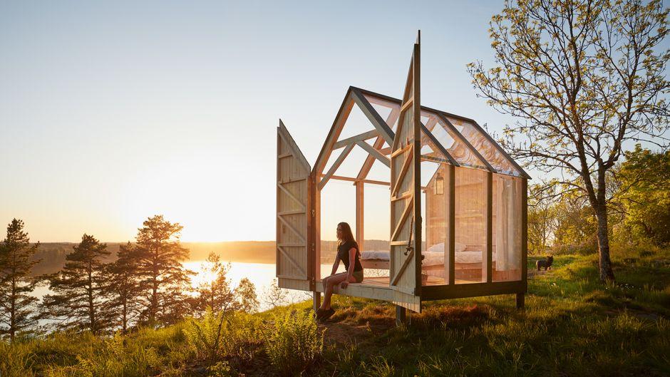 Einzigartige Glaskabinen gibt es zum Beispiel auf einer privaten Insel im See Ånimmen oder in einem Kiefernwald.