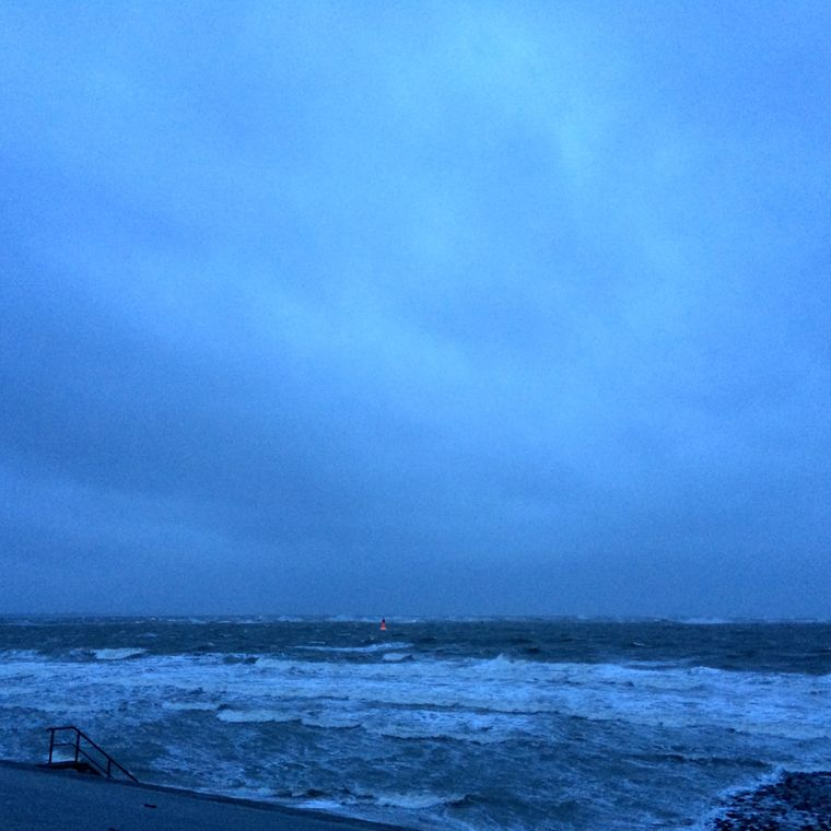 Bedrohliche Wetterlage vor Norderney im Januar.