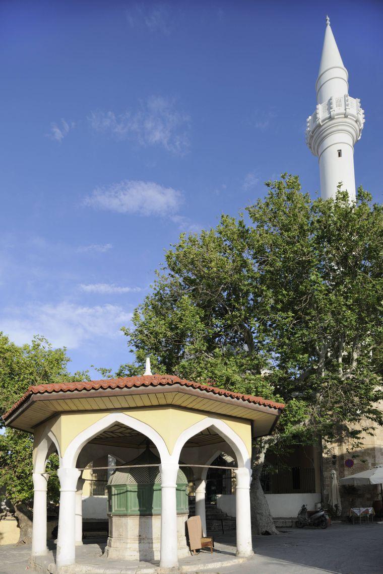 Die Ibrahim Pascha Moschee in Rhodos Stadt.
