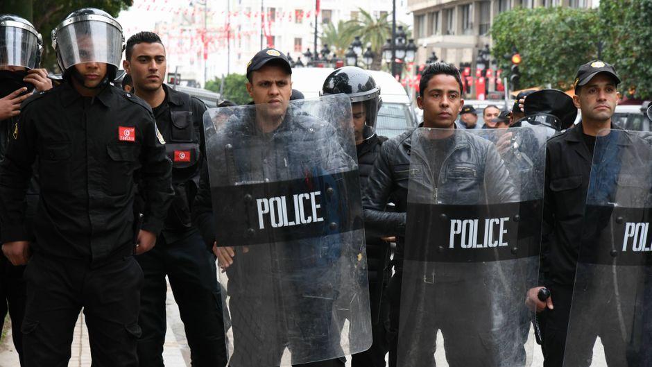 In Tunesien bewachen Sicherheitskräfte vermehrt Touristengebiete. (Symbolfoto)