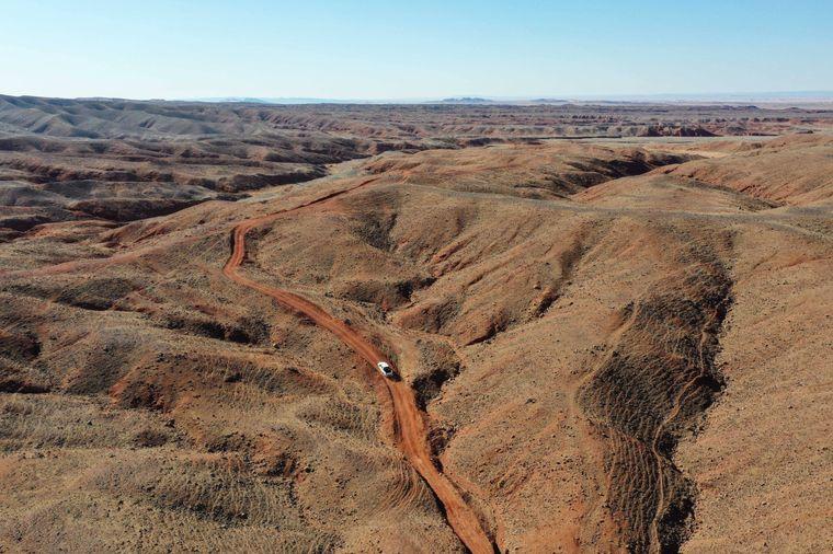 Stein und Fels gibt es in der Gobi-Wüste.