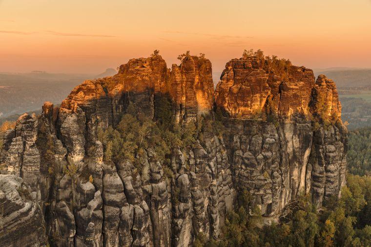 Der höchste Punkt der Schrammsteine ist der Hohe Torstein mit 425 Metern über dem Meeresspiegel.