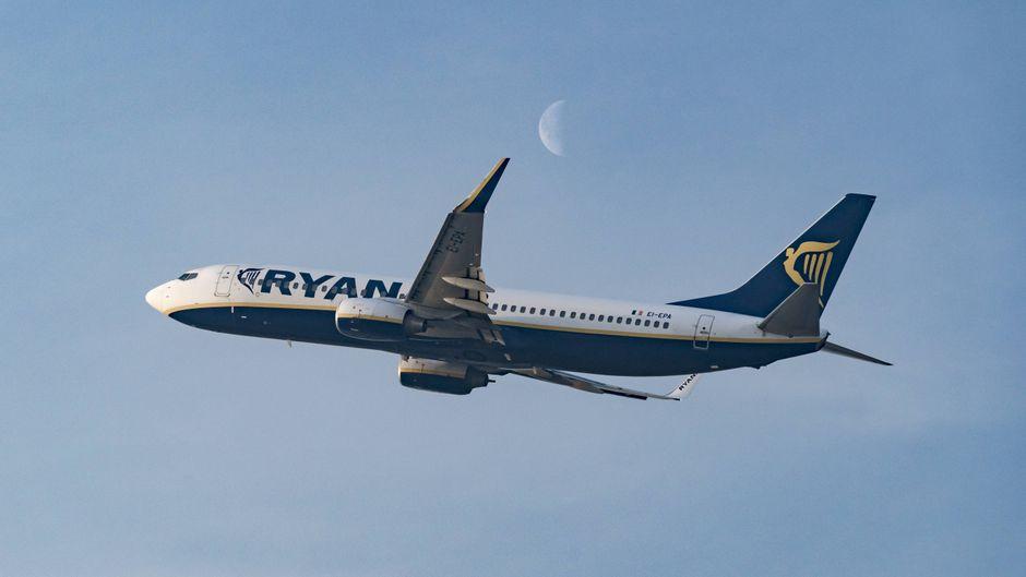 Ryanair ist nur eine von vielen Fluggesellschaften, die auch in der Corona-Krise mit günstigen Flugpreisen locken.