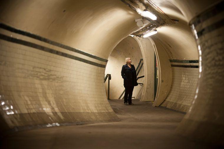 Tunnel in der Station Aldwych in London.