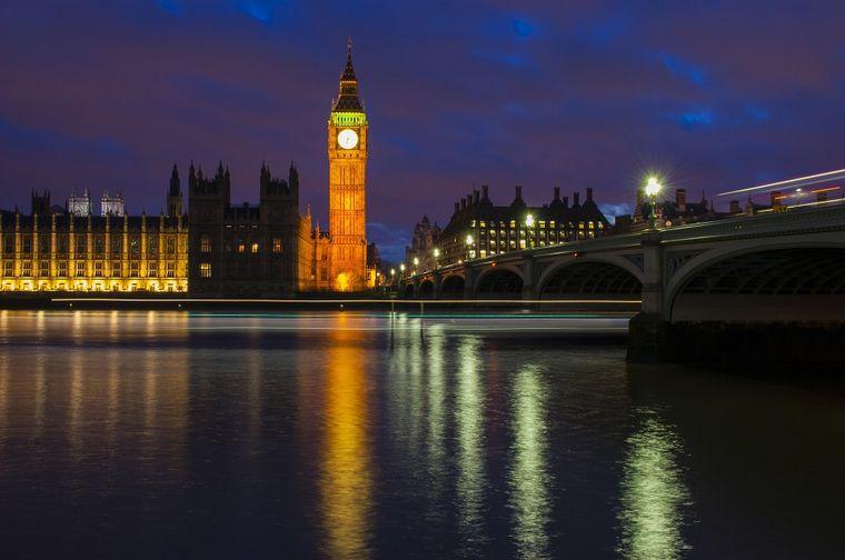 Die Londoner Themse galt im 19. Jahrhundert als größte Toilette der Stadt.