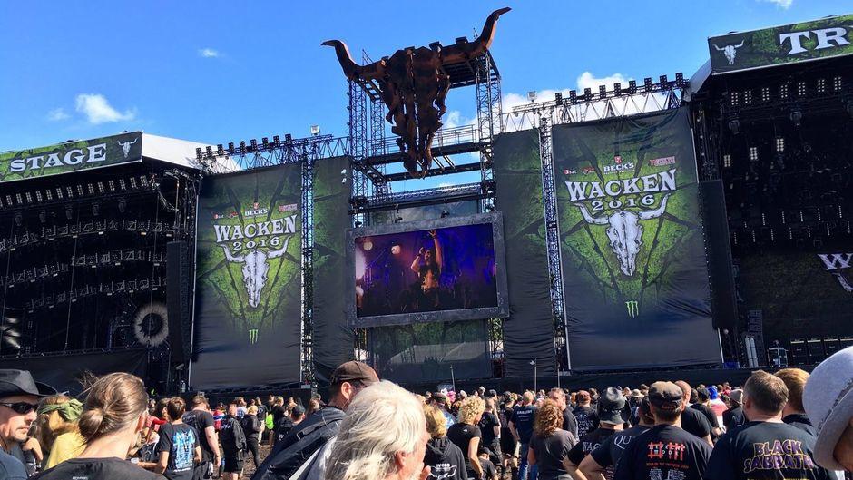Eine von acht Bühnen auf dem Wacken Open Air 2016