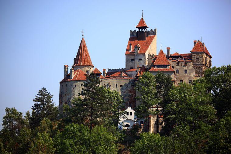 Das Schloss Bran in der Nähe des rumänischen Siebenbürgens wird auch  Dracula-Schloss genannt.