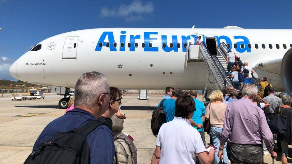 Urlauber in der Karibik, die mit der Rückholaktion der Bundesregierung zurück nach Deutschland kamen.