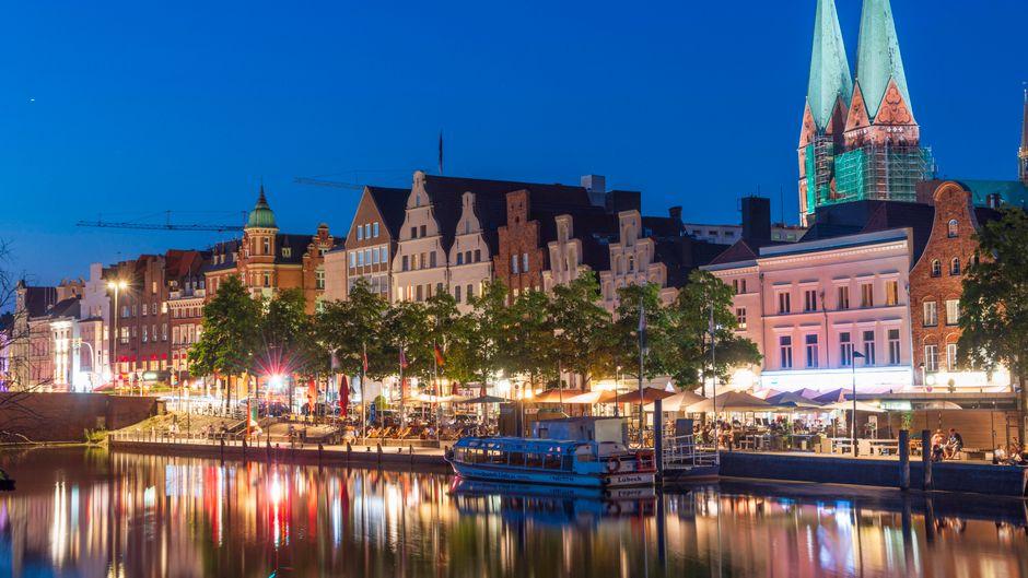 In Lübeck gibt es viele mittelalterliche Bauten, die einen in die Zeiten der Hanse entführen.