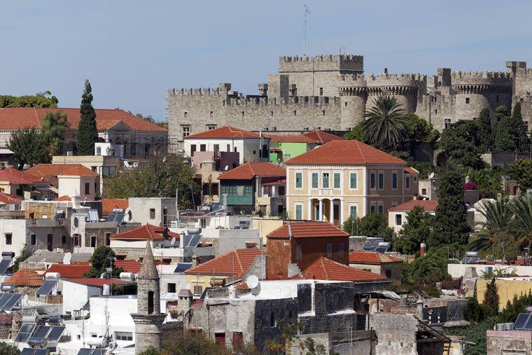 Von der Stadt ist der Großmeisterpalast immer direkt im Blickfeld.