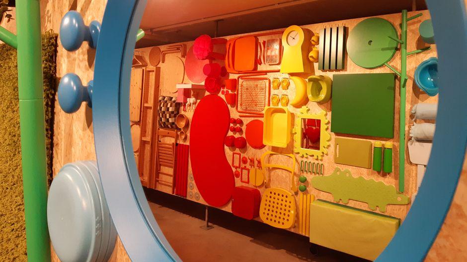 In seinem Museum in Älmhult ermöglicht der schwedische Möbelhersteller Ikea einen besonderen Blick auf seine Produkte und versucht, sie auch mal aus einer anderen Perspektive zu zeigen.