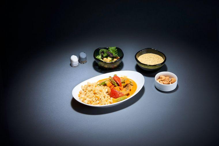 Exotisches Thai-Curry: Auf Lufthansa-Langstreckenflügen können künftig sieben ausgesuchte Menüs  gegen Aufpreis bestellt werden.
