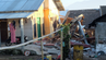 Das Erdbeben der Stärke 6,4 zerstörte auf Lombok Dutzende Häuser.