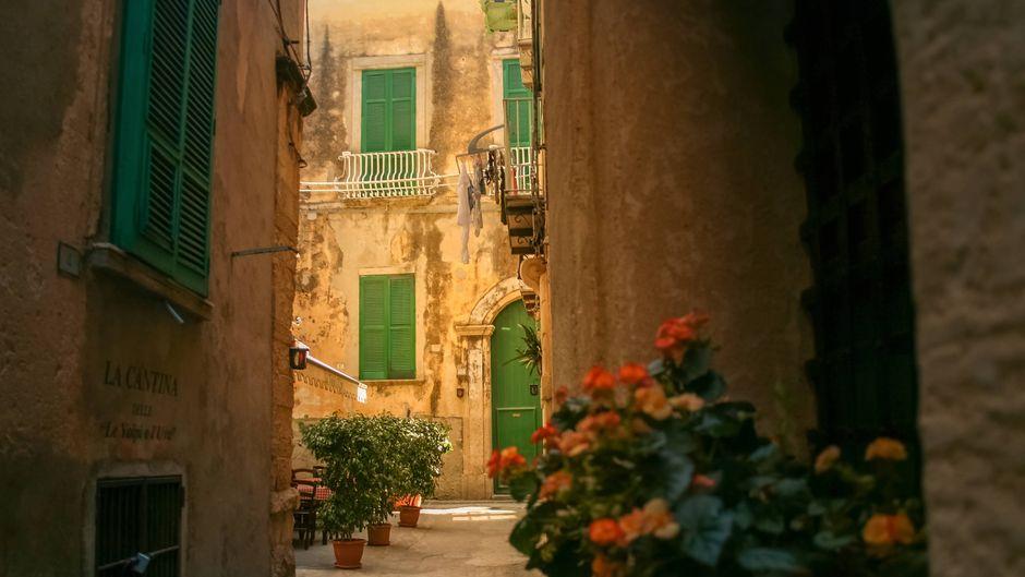 Italienische Orte bieten immer wieder verlassene Häuser für einen Euro an. (Symbolbild)