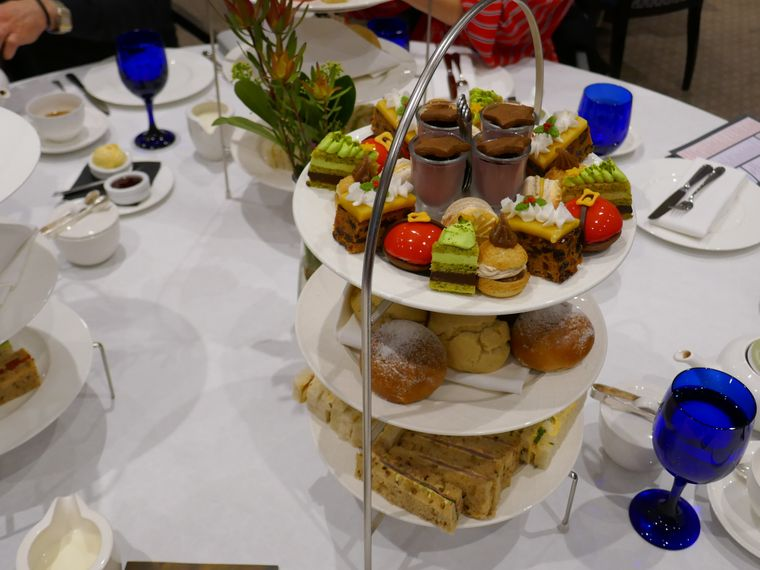 Afternoon Tea im Hotel Royal Crescent – mit Weihnachtsmotto.