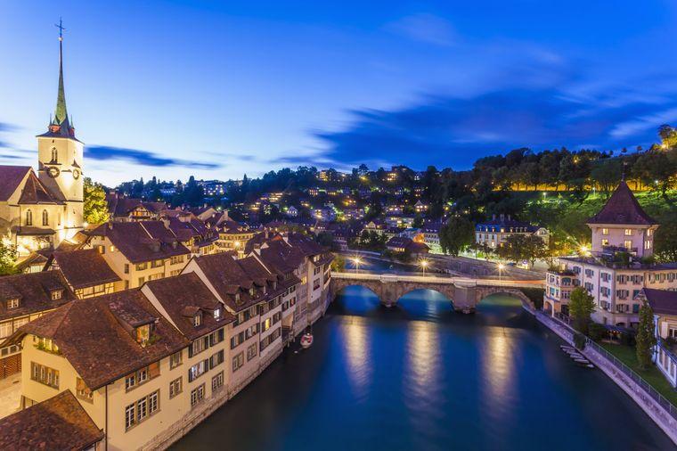 Romantisch, oder? Blick auf Untertorbrücke, Nydeggkirche und die Aare.