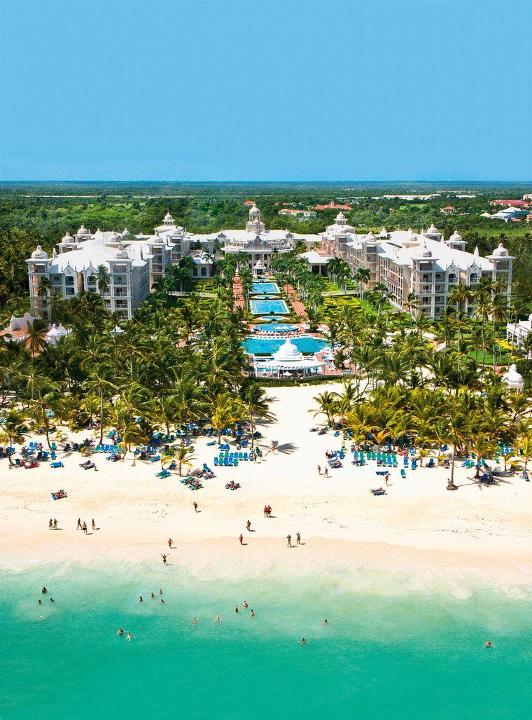 Wie wäre es mit einer Woche im Fünf-Sterne-Hotel Riu Palace Punta Cana in der Dominikanischen Republik?