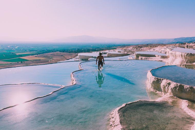 Baden ist in den Salzwasserquellen von Pamukkale nicht erlaubt.