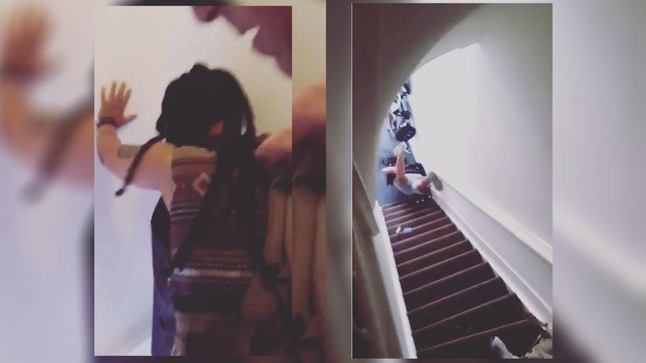 Sie Kommt Die Treppen Runter