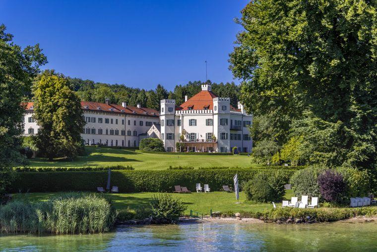 In Possenhofen wandeln Besucher auf den Spuren von Sisi. Die spätere österreichische Kaiserin hat im Schloss ihre Kindheit verbracht.