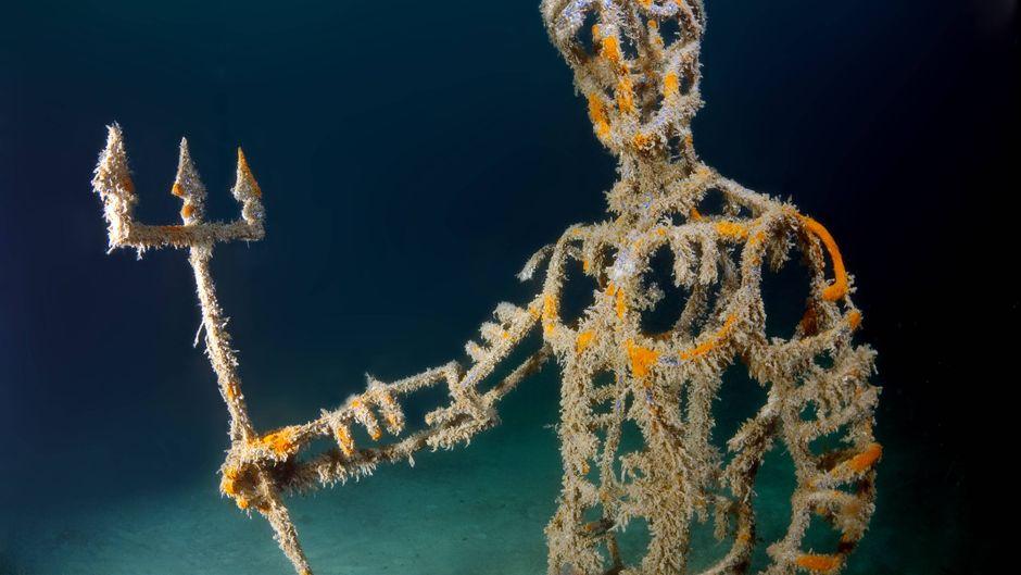 Neptun spukt durchs Unterwassermuseum Kap Tarhankut in der Ukraine.