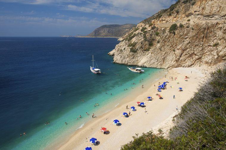 Der Kaputas Beach bietet türkisblaues Wasser und eine schöne Aussicht.