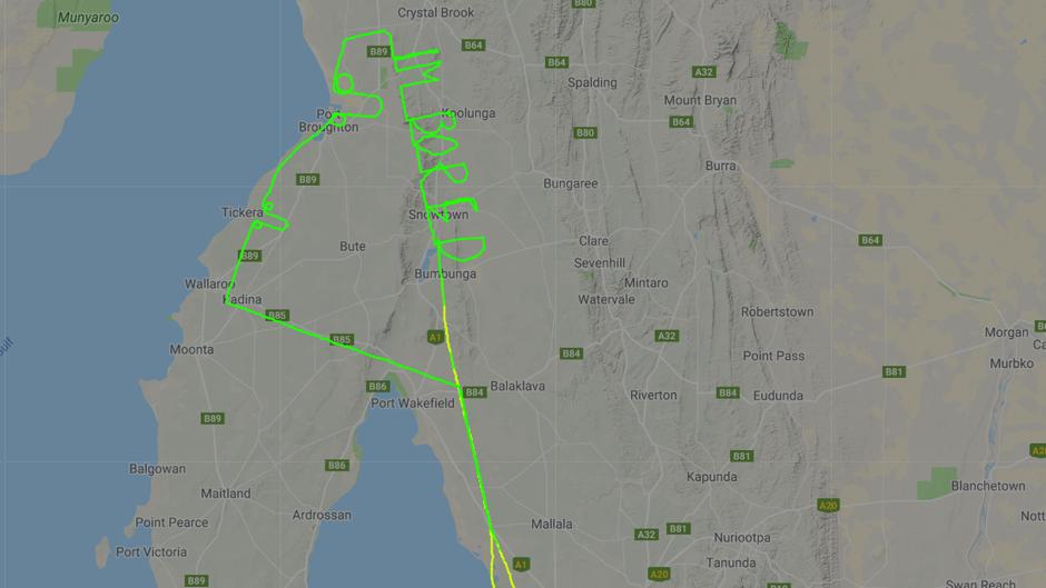 Aus Langeweile: Der Pilot wurde beim dreistündigen Flug kreativ.