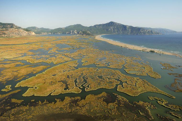 Das Dalyan-Delta bietet einen atemberaubenden Ausblick auf die Naturvielfalt der Türkei.