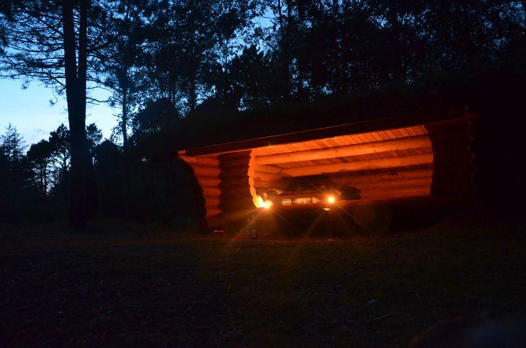 Wesentlich gemütlicher als die Bunker sind die Schutzhütten auf den dänischen Wildcampingplätzen.