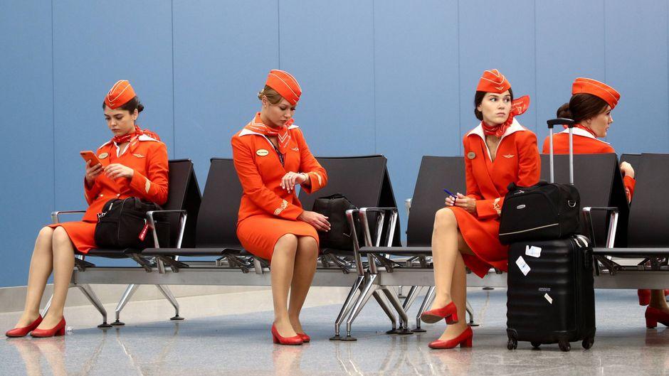 Tausende Flugbegleiter haben derzeit wegen der Corona-Krise keine Arbeit. (Symbolbild)