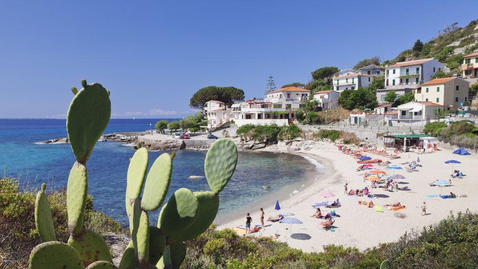 In der Toskana gibt es wunderschöne Strände, so wie den Beach of Seccheto auf Elba.