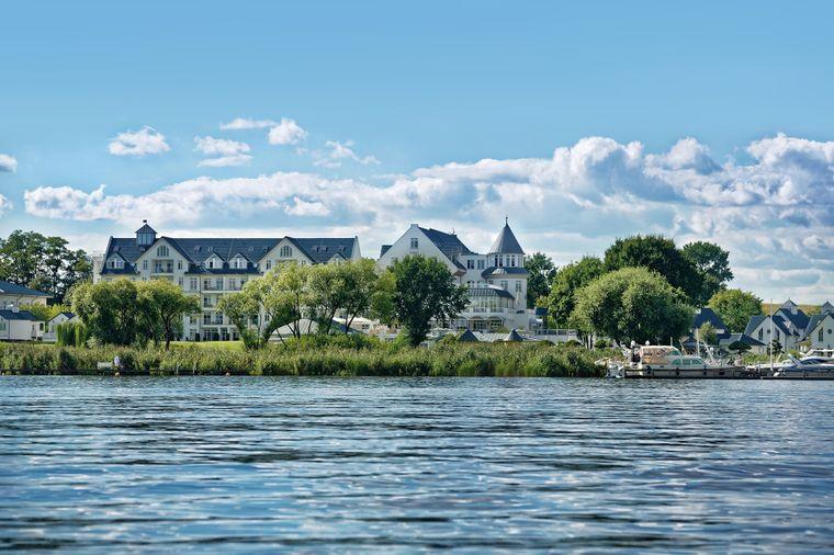 Precise Resort Schwielowsee vom Wasser.