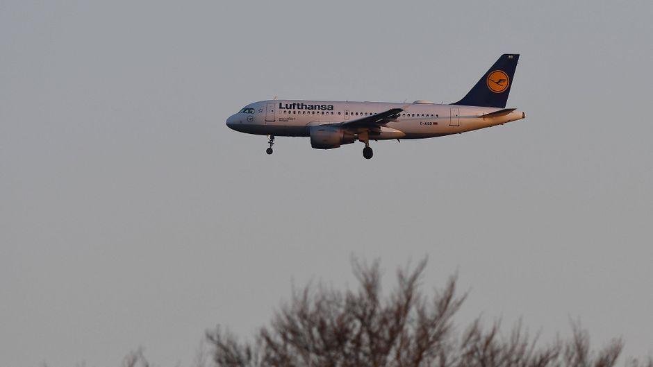 Die Lufthansa lässt derzeit keine Online-Stornierungen mehr zu.
