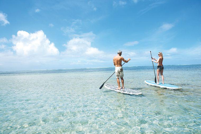 Mauritius ist ein ein Paradies für Wassersport wie Stand-up-Paddling, Schnorcheln oder Kitesurfen.