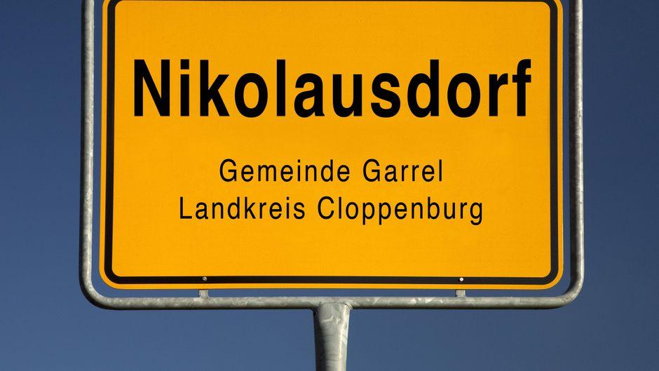 Das Ortseingangsschild von Nikolausdorf.