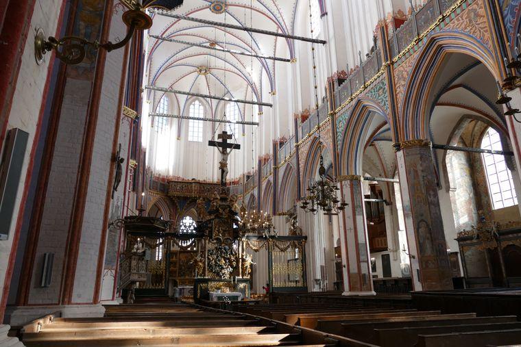 Reich und prunkvoll zeigt sich dies St. Nikolai Kirche in Stralsund.