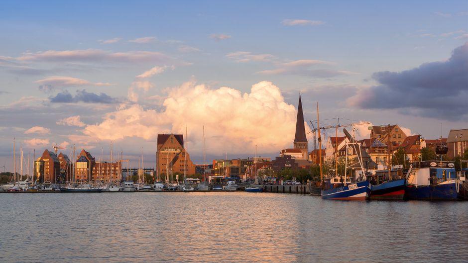 Wenn sich das Abendrot über Rostock legt, musst du unbedingt bleiben.
