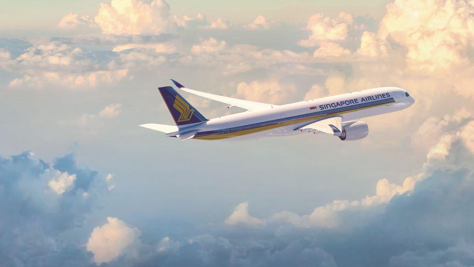 Airbus A350 von Singapore Airlines fliegt nonstop von Singapur nach Newark, New Jersey, bei New York.