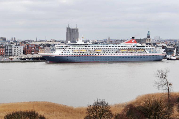 """Kreuzfahrtschiff """"Balmoral"""" in Antwerpen."""