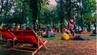 Food Trucks und Liegestühle im Central Park von Cluj Napoca.