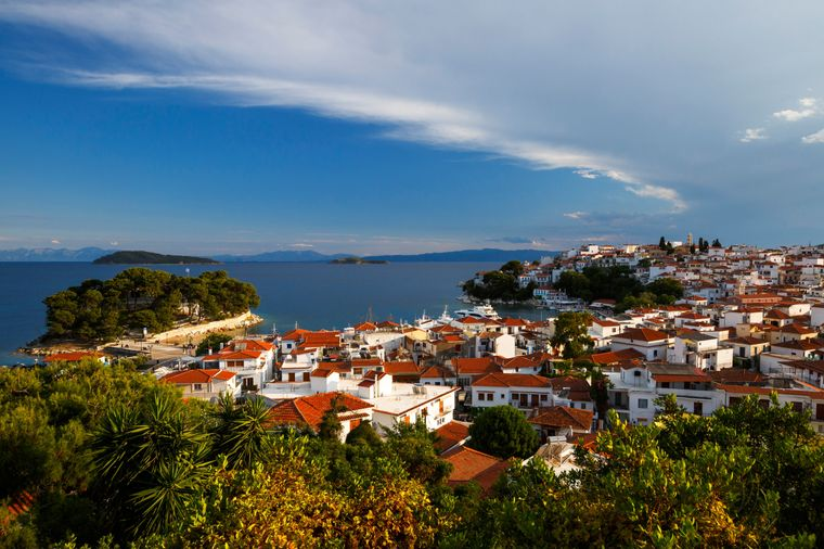 Mediterranean, Greece, Aegean, Sporades, Skiathos, Chora, Greek, town, island, port, harbor, landscape, coast, roofs, Euboea.imago images/Milan Gonda