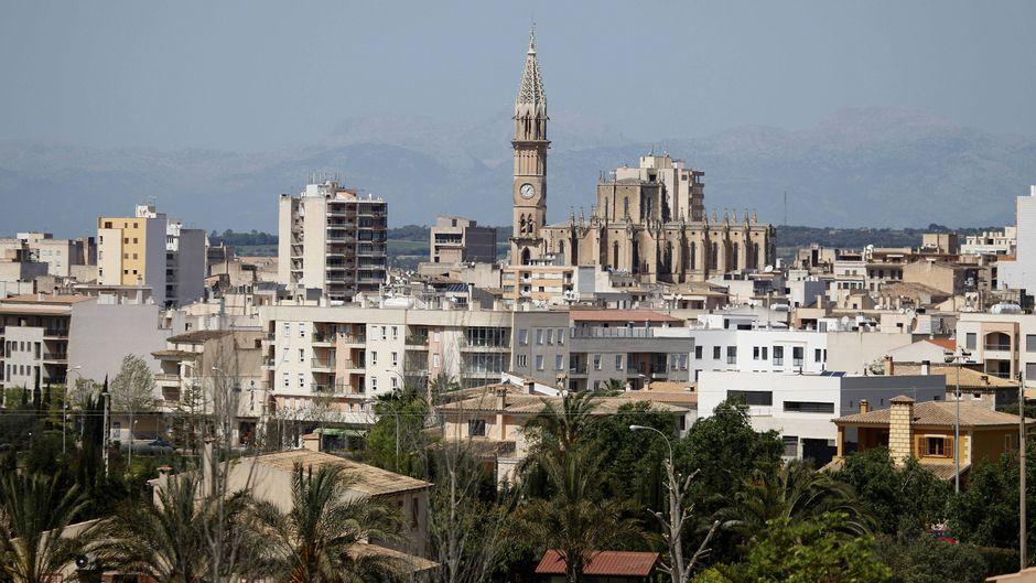 In Manacor, der zweitgrößten Stadt Mallorca, kannst du deinen Shopping-Drang ausleben.