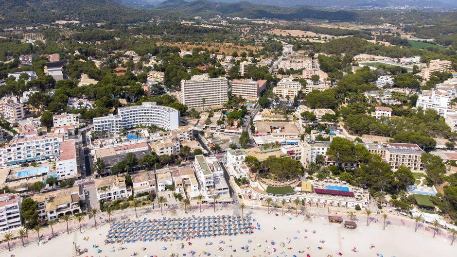 Gut gebettet: Mit unseren Tipps findest du garantiert ein passendes Hotel für deinen Urlaub in Peguera auf Mallorca.