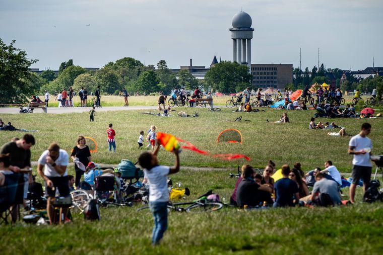 Das Tempelhofer Feld: ein großer, grüner Abenteuerspielplatz in der Stadt.