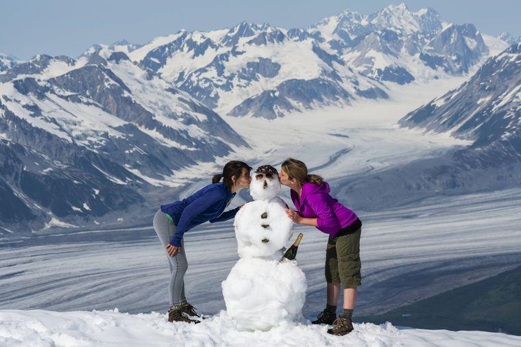 Einen Schneemann bauen macht Spaß. Aber es gibt auch viele Alternativen.