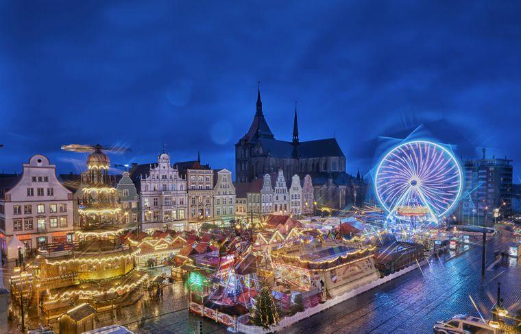 Der Rostocker Weihnachtsmarkt ist der größte im Norden.