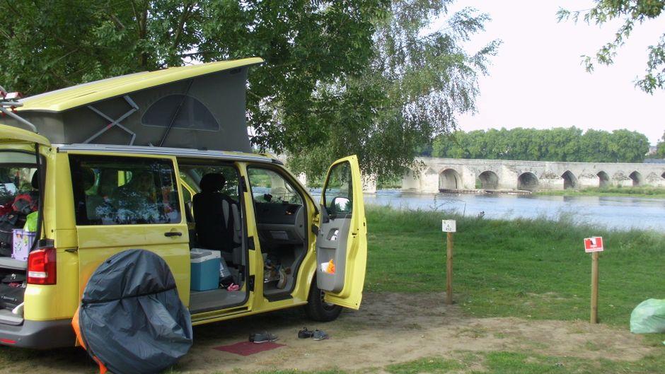 Tolle Ausblicke hast du bei einem Roadtrip durch Frankreich - und einen vollgepackten Bulli.