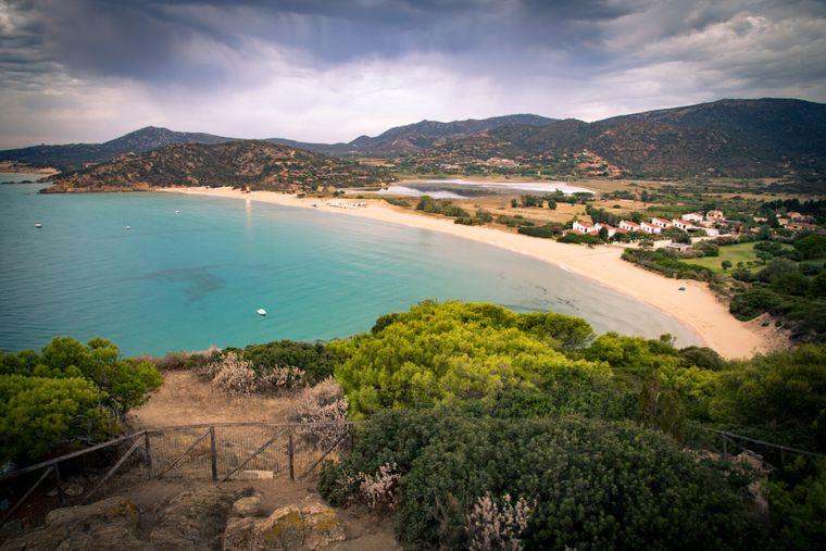 Verträumt und wunderschön: Chia zählt zu den schönsten Stränden auf Sardinien.