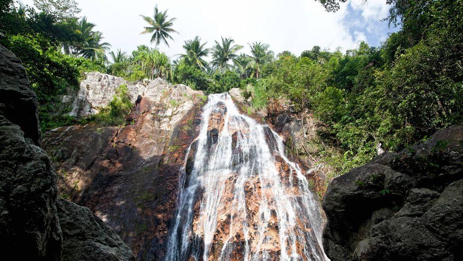 Die Namuang-Fälle bestehen aus zwei nahe beieinander gelegenen Wasserfällen auf Koh Samui.