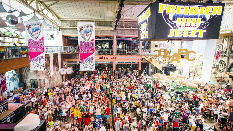 Massenpartys mit bis zu 6.000 Menschen im Megapark sind künftig verboten.
